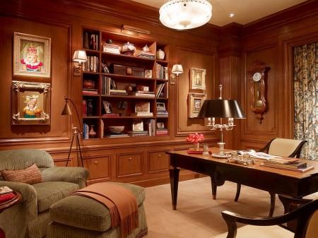 Poze Birou si biblioteca - Mobilierul din lemn masiv si lambriurile ce captusesc peretii sunt elemente nelipsite din decorul unui birou clasic