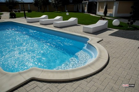 Imagini amenajari piscine poze piscina piscina de acasa for Amenajari piscine exterioare