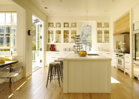 Poze Bucatarie - Culori si materiale pentru un spatiu calm si relaxant in bucataria traditionala