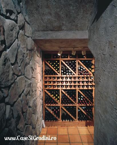 Декор стены в коридоре своими руками