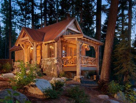 Poze Case lemn - cabana-piatra-lemn-padure.jpg