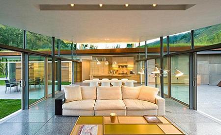 Poze Living - Zona de zi a unei case cu un acoperis pe care creste iarba