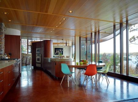 Poze Bucatarie - Bucataria intr-o casa moderna cu privelisti naturale minunate
