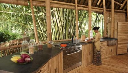 Poze Bucatarie - Bucatarie casa din bambus