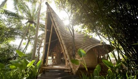 Poze Case lemn - Exterior casa din bambus, Satul Verde, Bali