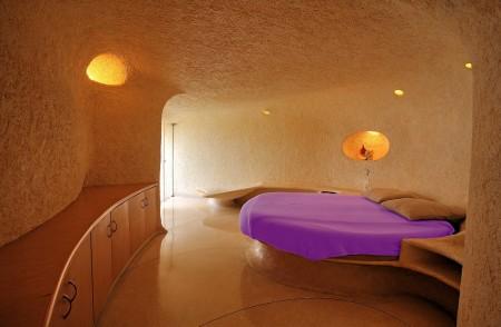 Poze Dormitor - Dormitorul matrimonial al Casei Nautilis, cu mobilierul incastrat