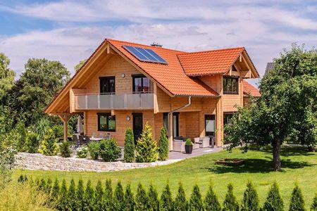 Poze Fatade - casa-ecologica-lemn-fatada-1.jpg
