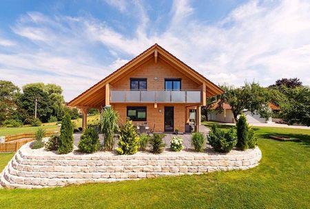 Poze Gradina de flori - casa-ecologica-lemn-gradina.jpg
