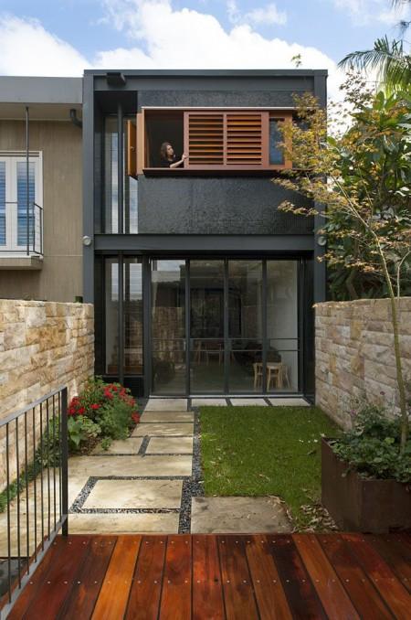 Poze Fatade - Casa si gradina practica pe un teren ingust