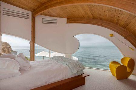 Poze Dormitor - Dormitor modern cu vedere spre ocean