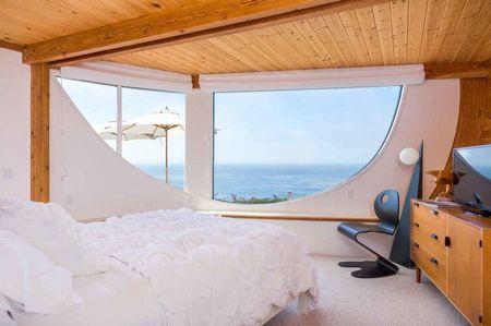 Poze Dormitor - casa-forma-valuri-dormitor-3.jpg