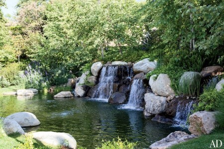 Poze Cascada si iaz - Iaz cu cascade in gradina