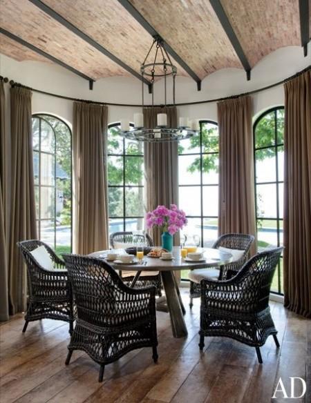 Poze Sufragerie - Masa pentru mic dejun din casa supermodelului Gisele Bundchen