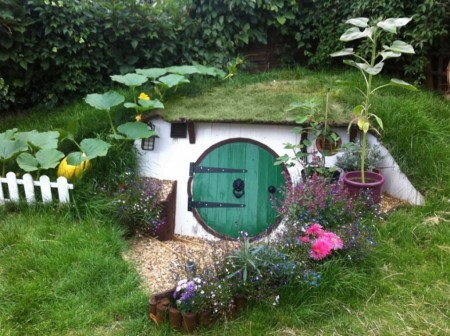 Poze Crama si pivnita - Casa in pamant, asemeni hobbitilor