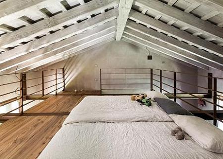 Poze Dormitor - Dormitor minimalist amenajat in pod