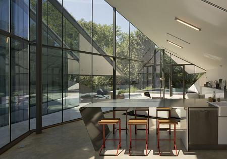 Poze Sufragerie - Loc de luat masa cu un spectaculos perete de sticla