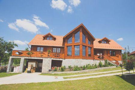 Poze Case lemn - Casa din lemn masiv construita in Ungaria