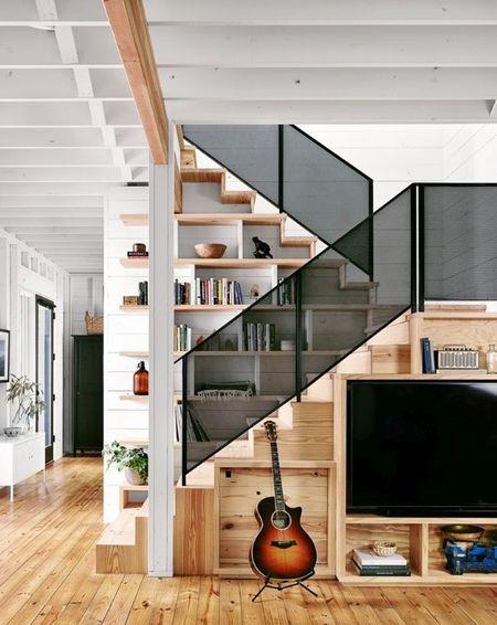 Poze Scari - Scara moderna cu trepte din lemn si balustrada din sticla