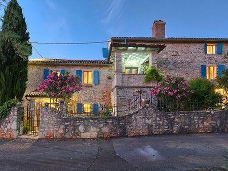 Poze Fatade - casa-mediteraneana-piatra-exterior-1.jpg