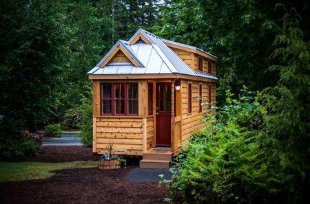 Poze Case lemn - O casuta din lemn pe roti pentru 5 persoane