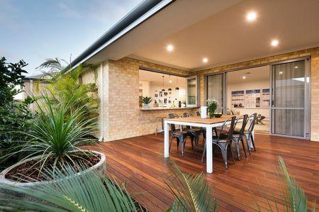 Poze Terasa - casa-moderna-fara-etaj-terasa.jpg