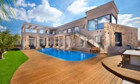 Poze Fatade - Amenajare exterioara casa moderna cu piscina