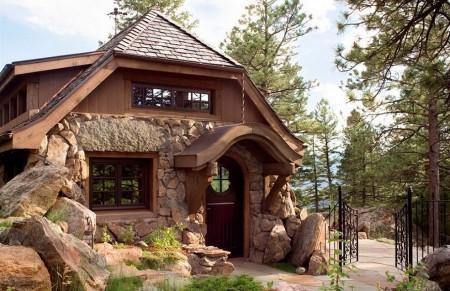 Poze Fatade - Casa din piatra integrata perfect in decorul montan