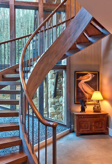 Poze Scari - Scara din lemn intr-o casa amenajata in stil rustic