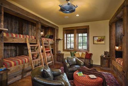 Poze Dormitor - Dormitor rustic cu mult lemn si paturi supraetajate