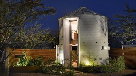 Poze Fatade - Casa moderna si confortabila dintr-un siloz de cereale
