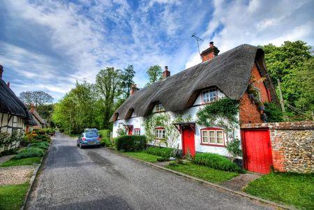 Poze Fatade - Casa traditionala cu acoperis din paie