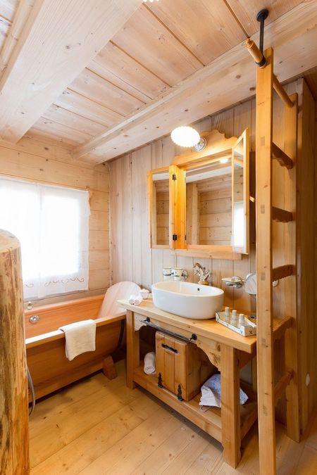 Poze Baie - Aproape totul este din lemn in aceasta fermecatoare baie