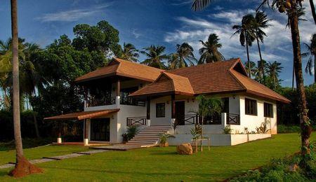 Poze Fatade - Casa cu arhitectura traditionala intr-un frumos peisaj tropical