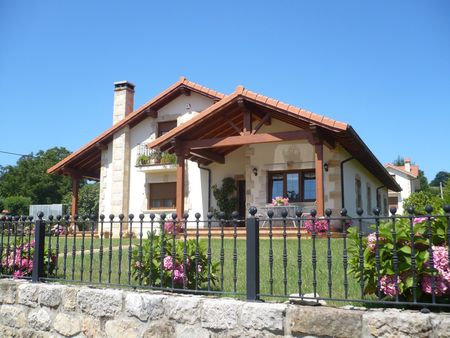 Poze Fatade - Casa traditionala cu terase generoase