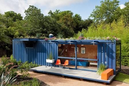Poze Fatade - Container transformat intr-o casa de vacanta moderna