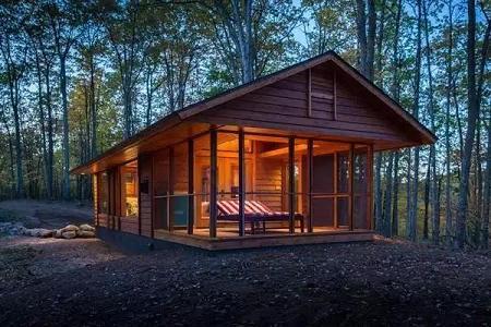 Poze Case lemn - Casa de vacanta din lemn, de 36 de metri patrati, cu living, dormitor si veranda inchisa cu sticla