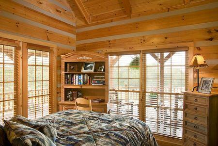 Poze Dormitor - casa-vacanta-lemn-masiv-busteni-calibrati-dormitor.jpg