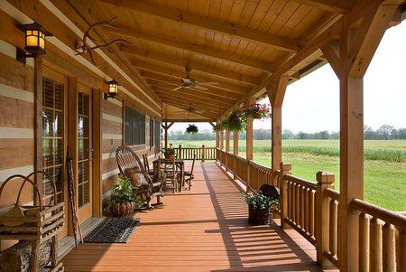 Poze Terasa - casa-vacanta-lemn-masiv-busteni-calibrati-veranda.jpg