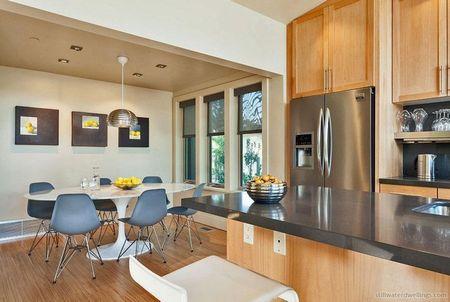 Poze Sufragerie - Design modern pentru sufrageria acestei case de vacanta