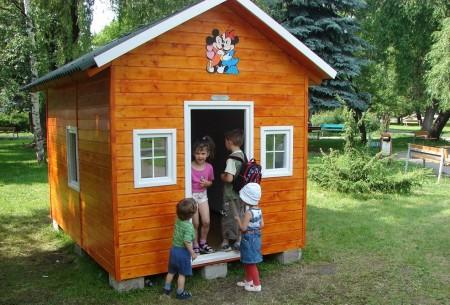 Poze Locuri de joaca - Casuta din lemn pentru copii Irina
