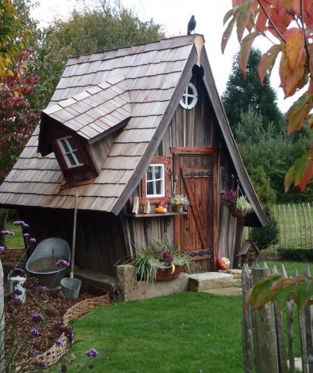 Poze Case lemn - O casuta din lemn uimitoare!