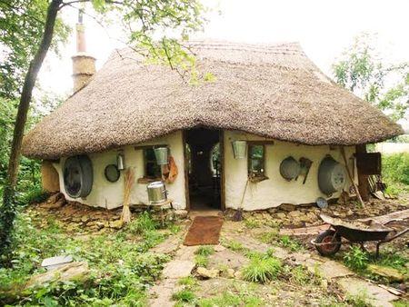 Poze Fatade - Casuta ecologica construita de un pensionar