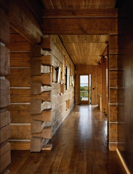Poze Case lemn - Imbinare in coada de randunica a grinzilor de lemn