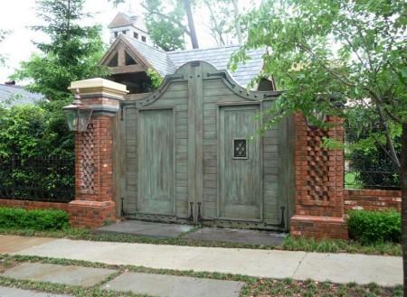 Poze Garduri si porti - Poarta din lemn masiv