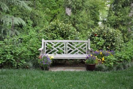 Poze Gradina de flori - Banca de gradina din lemn
