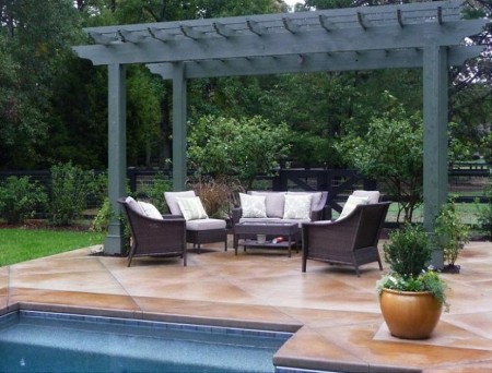 Poze Pergola - Pergola din lemn la marginea piscinei