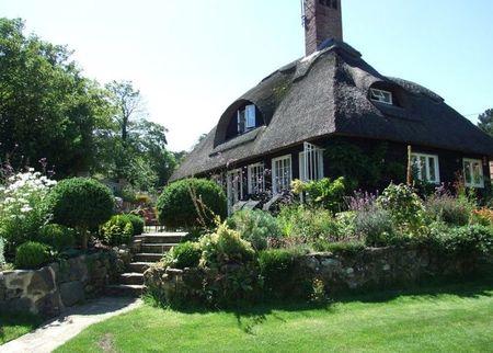 Poze Fatade - Casa si gradina in cel mai pur stil cottage englezesc