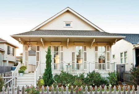 Poze Fatade - Casa din lemn in stil cottage cu verande