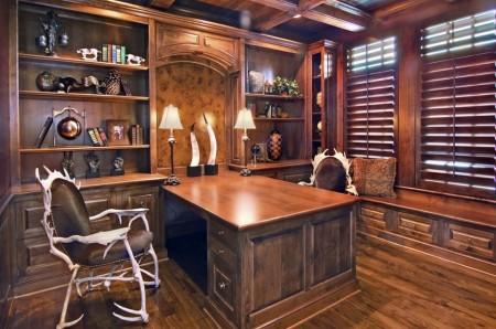 Poze Birou si biblioteca - Birou traditional in care lemnul este peste tot
