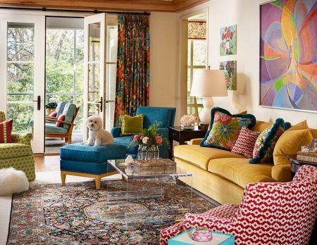 Poze Living - Amenajare in stil clasic inviorata cu ajutorul culorilor.